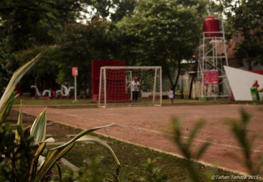 Taman Tongkeng ini kayanya lebih dikhususin buat warga sekitar