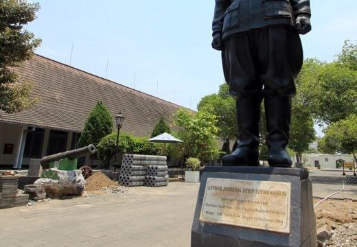 Patung di Museum Benter Vredeburg