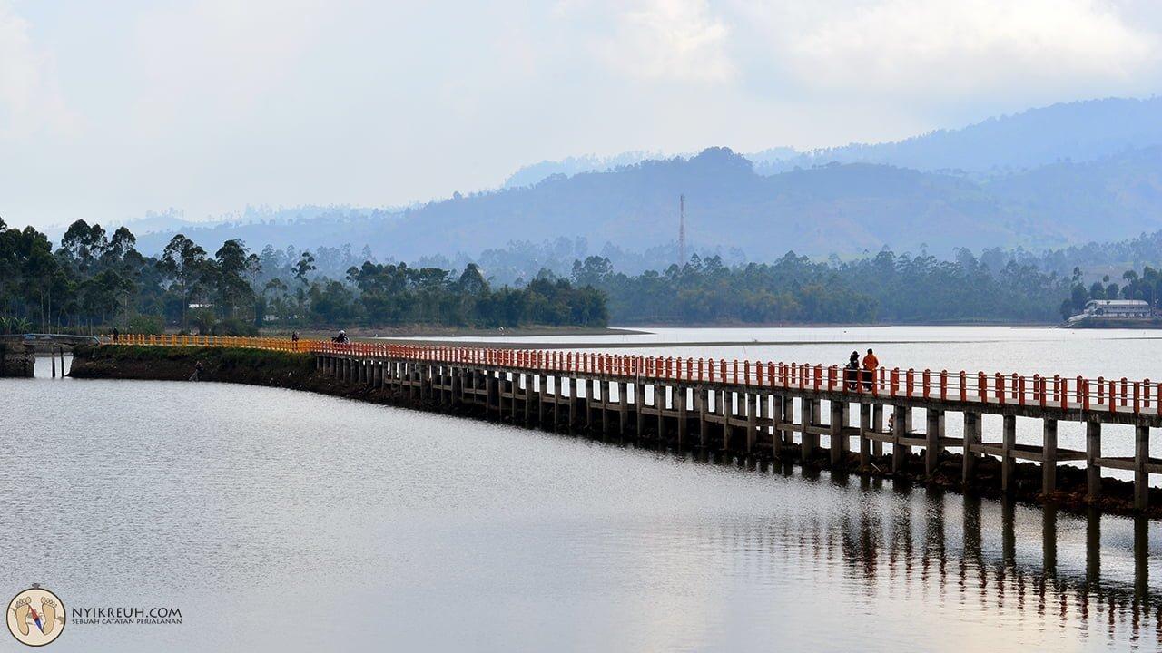 Jembatan Situ Cileunca