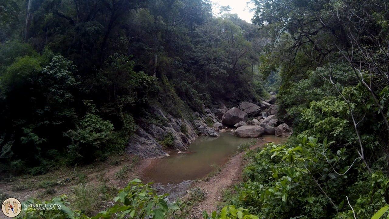 Nyusurin sungai