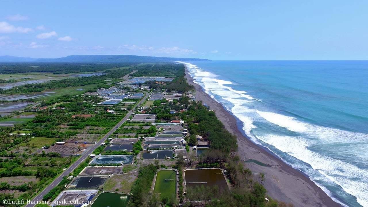 Pemandangan Pantai Baron Yogyakarta