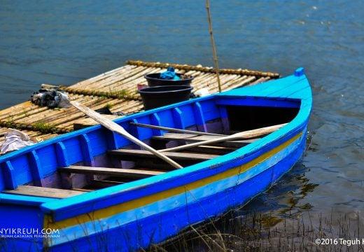 Perahu di Situ Cileunca