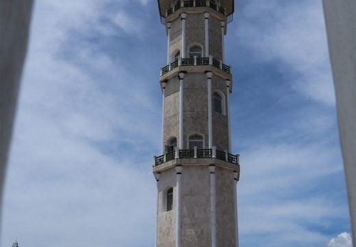 Menara masjid Baiturrahman Aceh