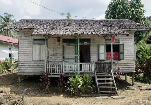 Rumah tradisional di Putussibau