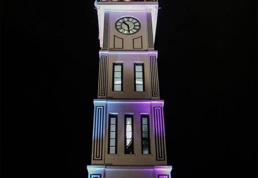 Jam Gadang pada malam hari
