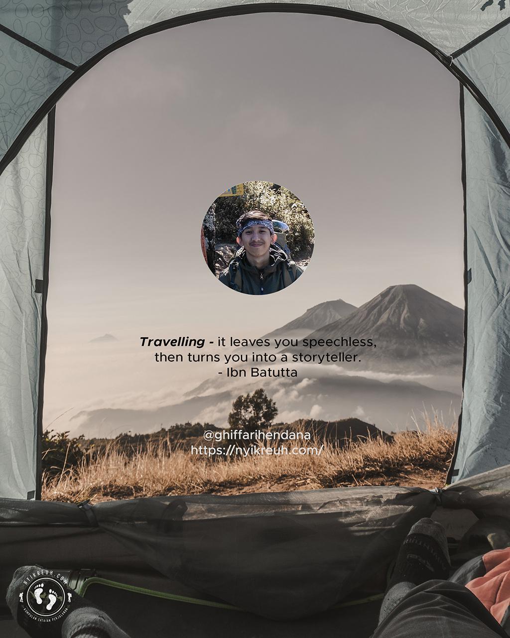 Pemandangan dua gunung S (Sindoro - Sumbing) dari dalam tenda