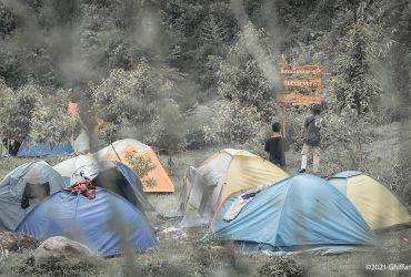 Ranca Cangkuang: Camping di Tepian Sungai Kawasan Gambung, Ciwidey
