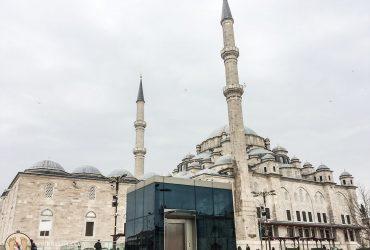 Tips Traveling Saat Berpuasa di Bulan Ramadhan