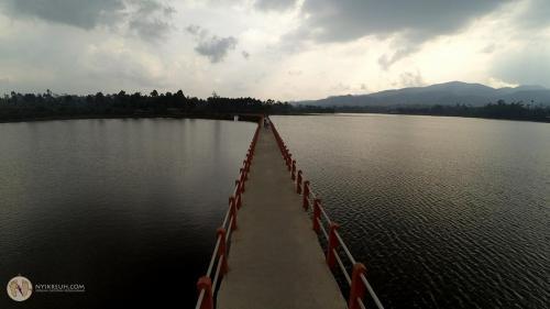 Jembatan Cinta Situ Cileunca