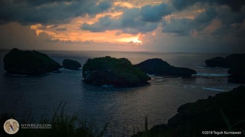 sunset watukarung